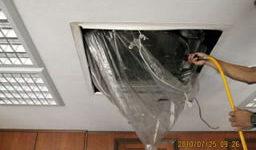 天井埋込型の業務用エアコンの清掃