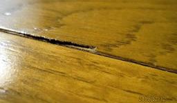 公営住宅の板張りフローリングの修正