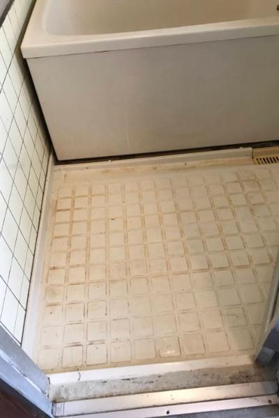 水あか、カビ汚れのバスルーム